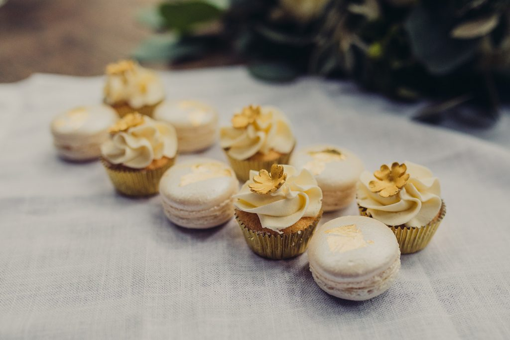 wedding planning mini cakes macarons gold leaf ivory buttercream gold flowers